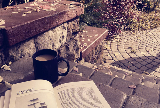 drink_coffee_and_book_s